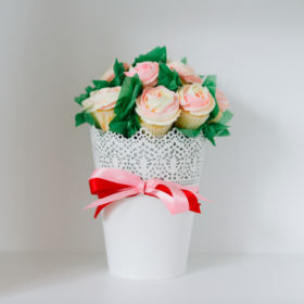 Mother's-Day-Rose-Bouquet-For-The-Love-Of-Cake-Toronto-Custom-Wedding-Birthday-Cakes-Cupcakes-Bakery-Toronto-GTA-Delivery