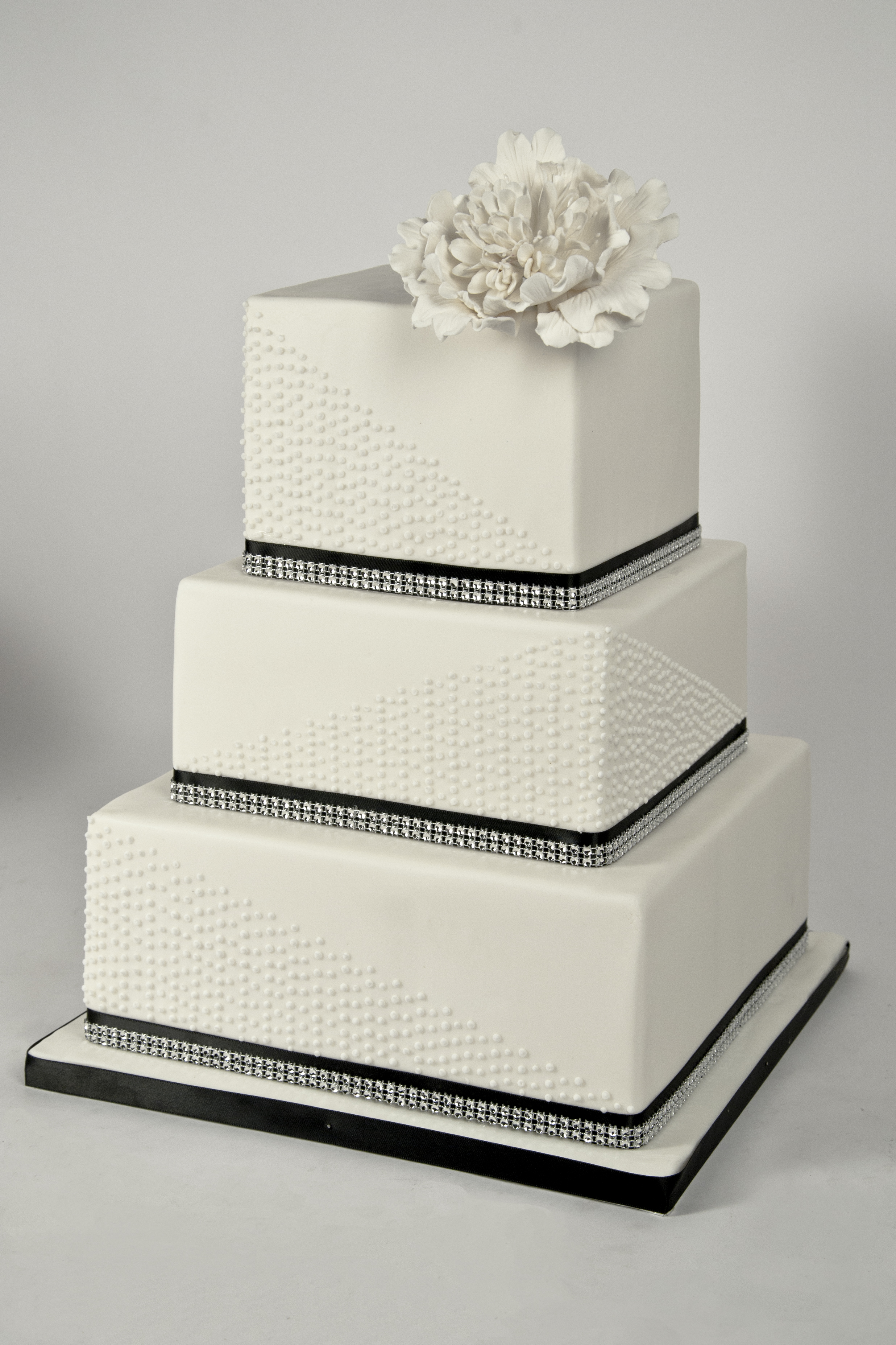 how to make a square wedding cake stand custom wedding cakes for the of cake shop in 15858